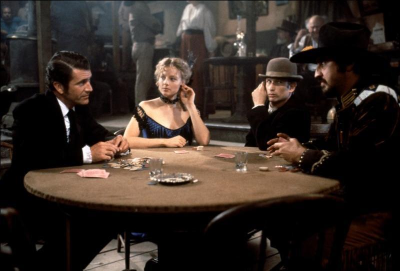 En 1994, Mel Gibson et Jodie Foster sont à l'affiche de  Maverick  avec Graham Greene et Alfred Molina. Quel est le métier de Bret Maverick, incarné par Mel Gibson ?