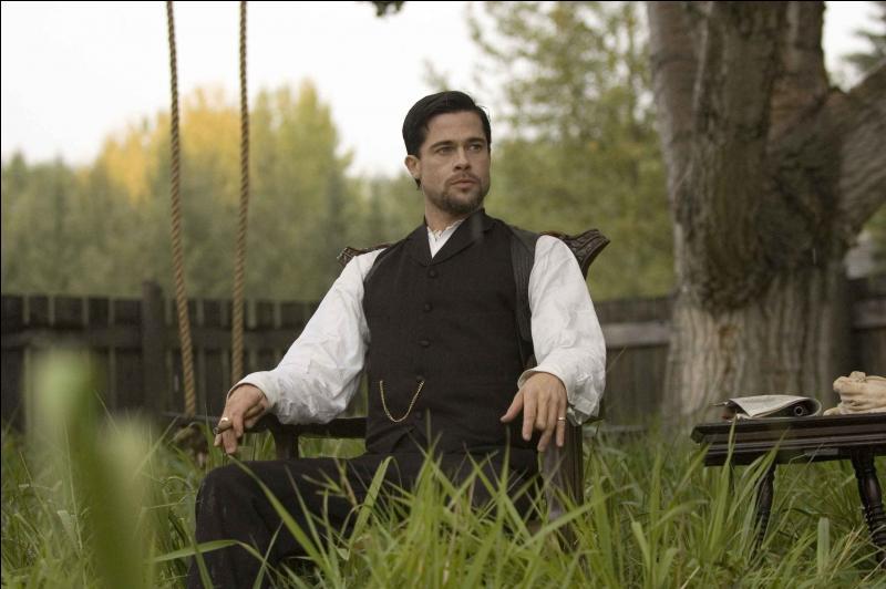En 2007, l'acteur américain Brad Pitt s'essaie aussi au western dans  L'assassinat de Jesse James par le lâche Robert Ford . Quel personnage incarne Brad Pitt ?