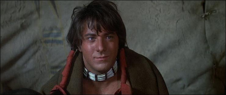 Nous sommes en 1970. Le western  Little Big Man  a provoqué des réactions sur le territoire américain. Qualifié d'anti-western, il annonce  Danse avec les loups . Quel est le thème du film ?