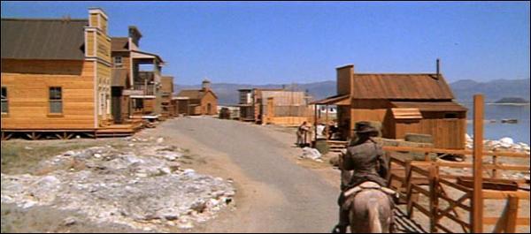 Toujours en 1973, Clint Eastwood revient avec  L'Homme des Hautes Plaines . Succès considérable, combien d'entrées le western a-t-il réalisé en France, à l'époque ?
