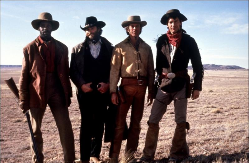 Toujours en 1985, Lawrence Kasdan livre un western plein d'énergie avec  Silverado  qui réunit une distribution éblouissante. Combien d'acteurs forment une célèbre troupe d'amis dans l'Ouest américain ?
