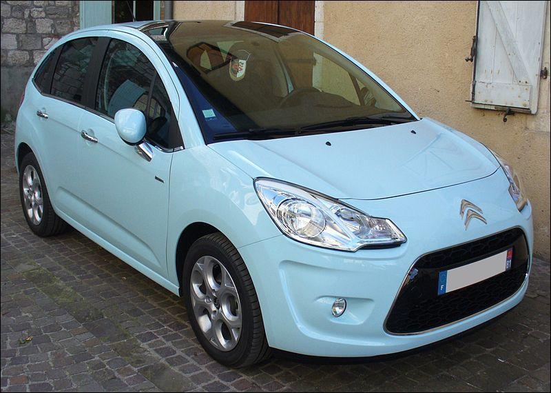 Avec quelle autre marque la société Peugeot forme-t-elle le groupe PSA ?
