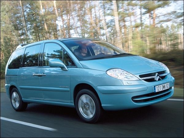 Quelle est la date de sortie du Citroën C8 ?