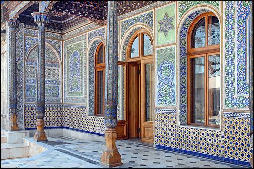 Tachkent, la capitale de l'Ouzbékistan, abrite 10% de la population totale de ce pays d'Asie centrale. Que signifie  Tachkent  en ouzbek ?