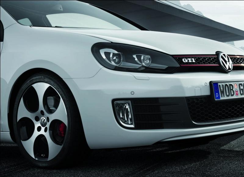 Quand la Golf GTI fut-elle créée ?