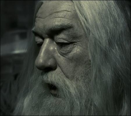 Parmi ces trois passages, lequel vient d'Harry Potter et l'Ordre du Phénix ?