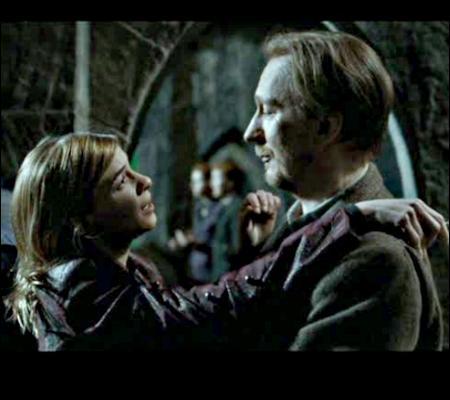 Remus et Tonks ont mis du temps pour se marier ; qui des deux a longtemps prétendu leur union inconcevable ?