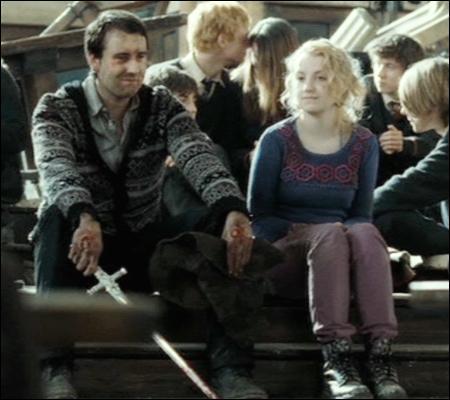 Si dans le film, Luna semble brûler de passion pour le courageux Neville, il n'en est rien dans le livre. En effet, Neville finira par se marier avec _____ , tandis que Luna se rapproche beaucoup de _____ dans le tome 7, pour finalement se marier avec _____ .