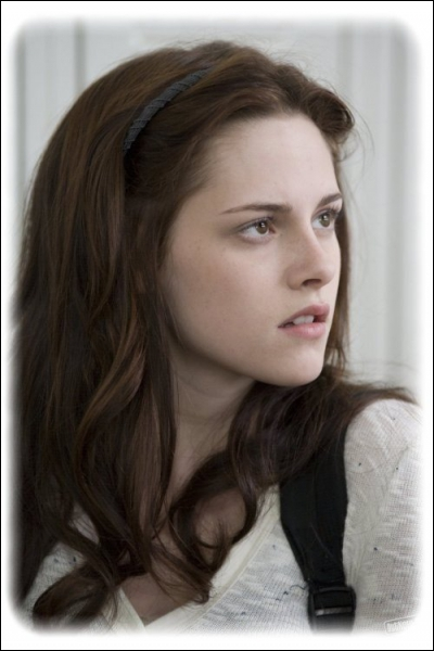 Comment s'appelle l'amoureuse du jeune vampire ?