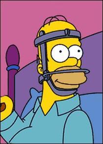 Dans l'épisode où Homer se casse la mâchoire et qu'il communique avec sa famille en écrivant sur une ardoise, quel mot écrit-il une deuxième fois alors qu'il venait de l'effacer ?