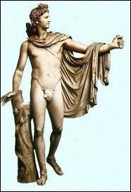 Comment s'appelle la jumelle d'Apollon ?