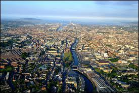La capitale de l'Irlande représente moins d'un quart de la population irlandaise. Quelle est cette capitale ?