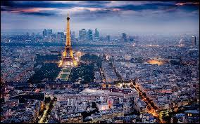 Située au centre du Bassin parisien, en Île-de-France, ***** compte en 2011, 2 249 975 habitants et est la capitale et la ville la plus peuplée de France. Par laquelle de ces 3 villes, peut-on remplacer le  *****  ?