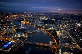 Au sud-est du Royaume-Uni, cette ville était la plus grande du monde au 19ème siècle. Quelle est donc la capitale du Royaume-Uni ?