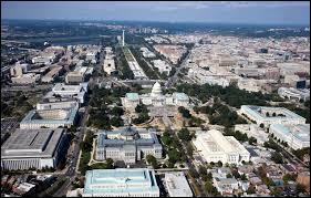 Située dans le district de Columbia, cette ville compte 601 723 habitants en 2010 et est la capitale des Etats-Unis. Quelle est cette ville ?
