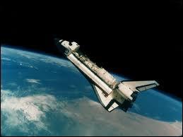 Quelle est la distance du vol spatial le plus éloigné de la Terre ?