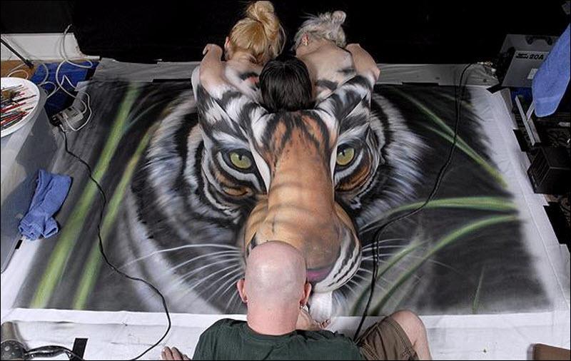 Une chanson qui en fait voir de toutes les couleurs, et à de nombreuses  reprises  : Eye of the Tiger  !