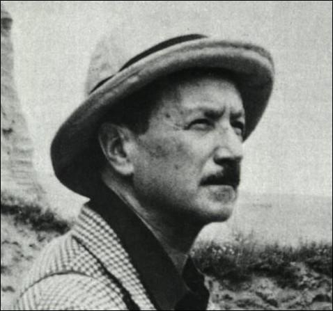Vents , recueil de poésie, paru en 1946, a pour auteur un poète et diplomate français de son vrai nom Alexis Léger. Quel est son nom de plume ?
