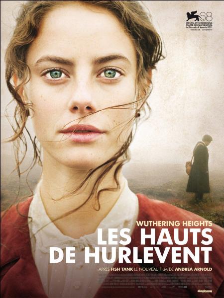 Elles sont trois soeurs, poétesses et romancières du 19e siècle. Laquelle est l'auteur du roman intitulé  Les Hauts de Hurlevent  ?