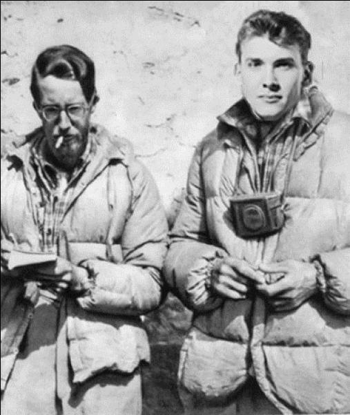 A votre avis, qui sont George Mallory et Andrew Irvine et quel exploit auraient-ils réalisé en 1924 ? Problème, ils sont décédés peu après ou peu avant leur exploit. Ce sont...
