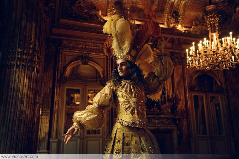 A quel romancier, historien et homme politique français, doit-on la biographie romancée de Louis XIV intitulée  Le Roi-Soleil  ?