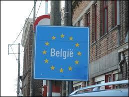 Combien de pays ont une frontière terrestre commune avec la France métropolitaine ?