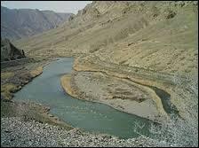 Quel fleuve né en Turquie sert de frontière entre l'Iran et l'Azerbaïdjan avant de se jeter dans la mer Caspienne ?