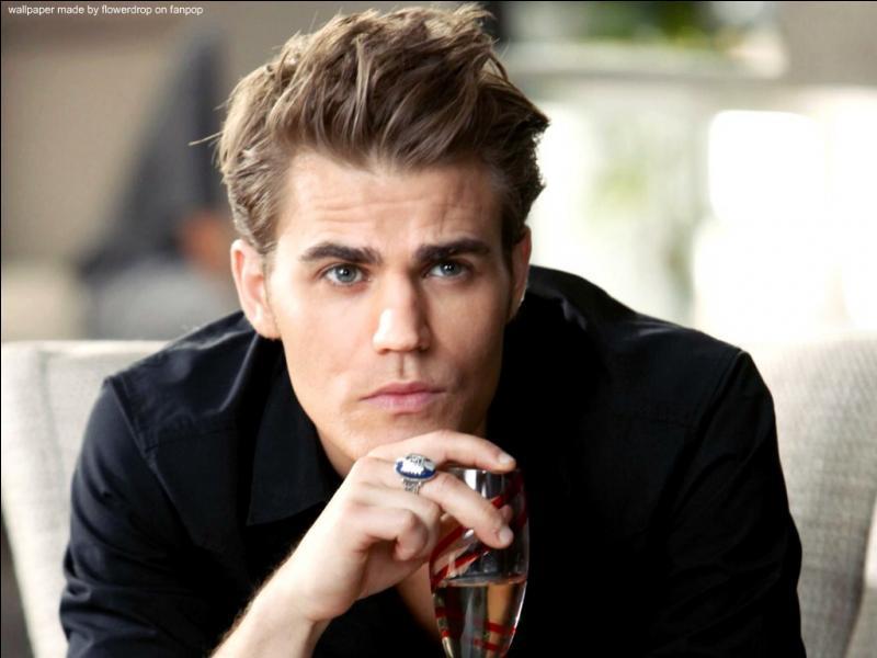 Qui revient d'entre les morts et aide Elena à rendre l'humanité de Stefan ?
