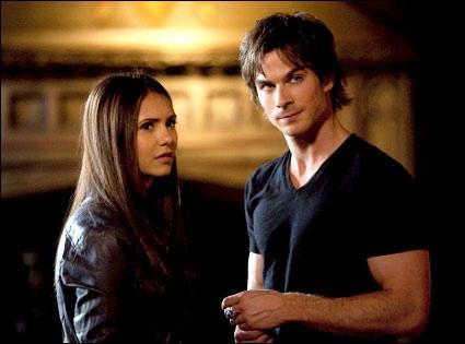 Pourquoi Damon emmène-t-il Elena en Géorgie ?