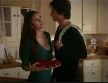 Pourquoi Isobel est-elle certaine que Damon donnera l'invention de Jonathan Gilbert à Elena ?