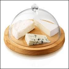 Pour éviter les mauvaises odeurs dégagées par nos fromages, on peut placer un brin de thym et un morceau de sucre sous notre cloche.