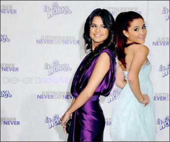 Martina Stoessel, Selena Gomez, Ariana Grande