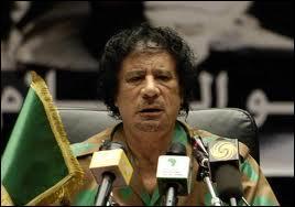 Durant plus de 40 ans, il a régné d'une main de fer sur la Lybie. Comment se nomme ce dictateur ?