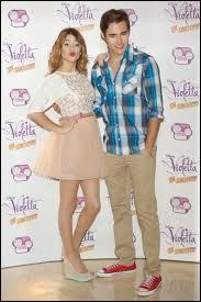 Dans quelle saison Leon et Violetta ont-ils échangé leur premier baiser ?