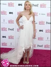 Cette même année, elle est nommée pour un Young Artist Award pour sa prestation auprès de Glenn Close dans le téléfilm Sarah, Plain and Tall : Winter's End. Elle fait également des apparitions dans plusieurs séries, notamment Friends. Quel rôle a-t-elle joué dans Sarah, Plaind and Tall : Winter's End ?