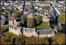 Dans quel département se trouve le château de Châteaubriant, à l'aspect atypique, moitié médiéval, moitié Renaissance ?