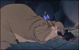 Dans quel film une énorme chatte obèse nommée Félicia obéit-elle à l'ignoble Ratigan ?
