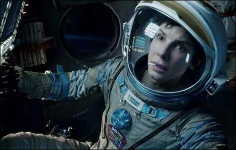 Les astronautes de la station spatiale internationale (ISS) flottent en apesanteur car ...