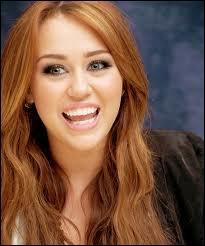 Qui a joué avec Miley Cyrus dans la série Hannah Montana ?