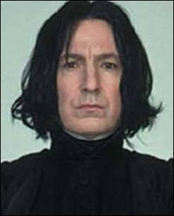 Qui joue le rôle de Severus Rogue ?