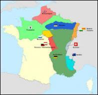 Le retour de Napoléon aura eu des conséquences désastreuses pour la France. Anéantie militairement, elle se voit contrainte d'accepter les dures conditions des Alliés : occupation d'une grande partie de la France pendant 3 ans, très lourdes indemnités à payer, perte de territoires. Quel traité a été imposé à la France le 20 novembre 1815 ?