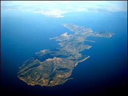Près de quelle grande île le lieu d'exil de Napoléon se situe-t-il ?