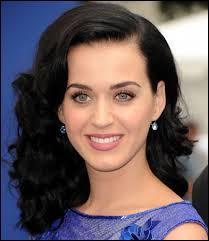 Dans le clip Roar de Katy Perry, quel animal est surnommé Kitty Purry ?