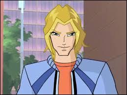 Comment s'appelle ce jeune homme (copain de Bloom) ?