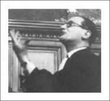 Né à Paris le 20 octobre 1902, je suis un des avocats les plus renommés du XXe siècle. Défendant entre-autres Magda Fontanges, ancienne maîtresse de Mussolini en 1937, Marcel Petiot, tueur en série durant la Seconde Guerre mondiale, l'Affaire Ben Barka ou Georges Pompidou dans l'affaire Mercury. Je disparais le 22 décembre 1975 à Neuilly-sur-Seine et repose dans la division n°79, je me nomme :