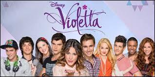 Sur quelle chaîne passe la série  Violetta  ?