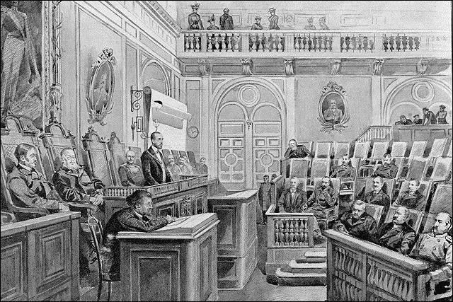 Malgré les pressions, Nicolas II procède à des réformes politiques avec le Manifeste d'Octobre 1905, qui établit les libertés fondamentales, suivi de lois fondamentales promulguées en 1906. Quelle chambre parlementaire est alors instaurée ?