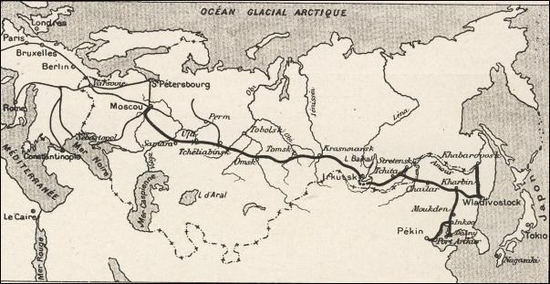 Peu après le couronnement, Nicolas II comprend que ses volontés réformatrices sont peu envisageables. Au même moment, la Russie commence à s'industrialiser avec, en point d'orgue, l'achèvement du Transsibérien au début du XXème siècle, en 1901. Ligne ferroviaire reliant Moscou à Vladivostok, sur combien de kilomètres le Transsibérien s'étend-il ?