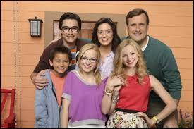 Quel est le nom de famille de Liv & Maddie ?