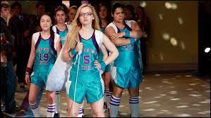 Comment s'appelle l'équipe de basket de Maddie ?